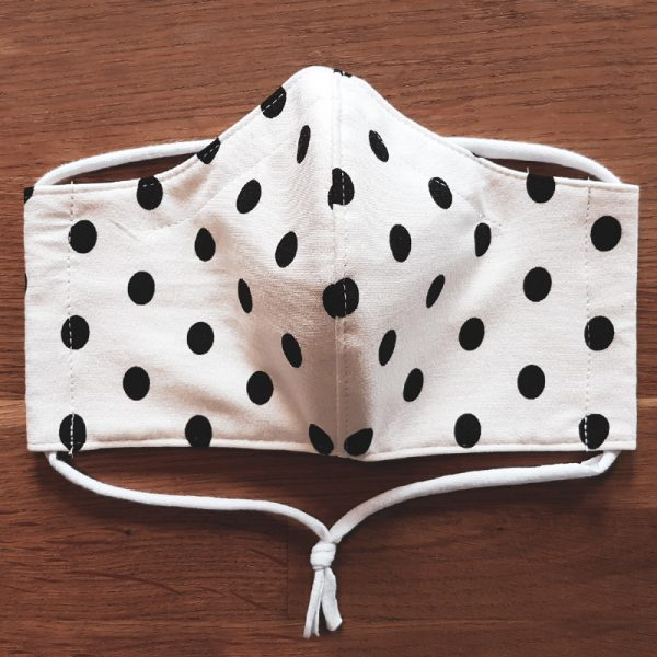 Fabric facemask with retro polkadots print (black dots on white)