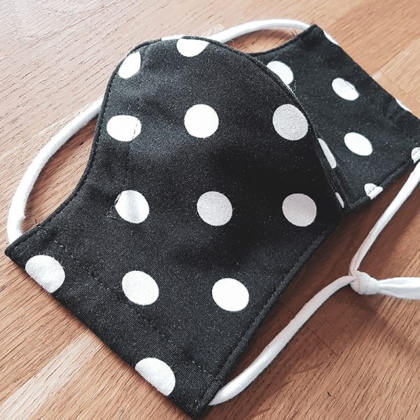 Fabric facemask with retro polkadots print (white dots on black)