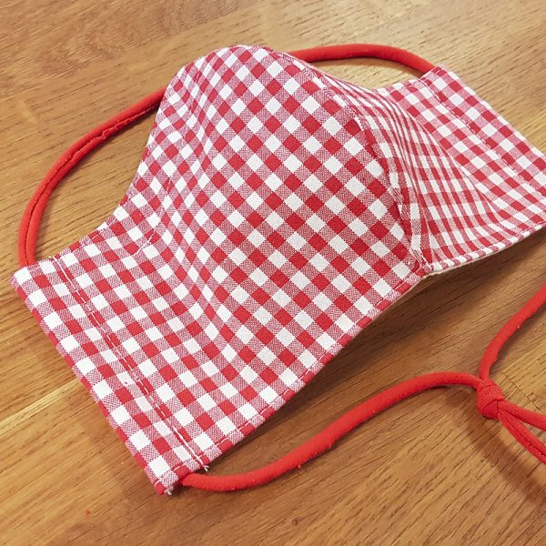 Fabric facemask with red gingham print (Oktoberfest facemask!)