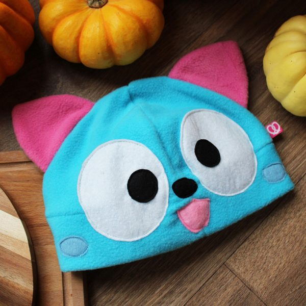 Blue happy cat beanie